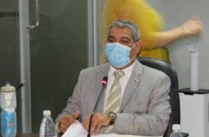 El ministro de Salud, Luis Francisco Sucre, dio que se cumplirá con el pago adeudado a médicos y enfermeras y demás personal de salud.