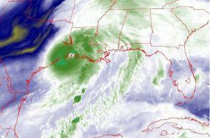 Foto del Centro Nacional de Huracanes (NHC) estadounidense con el pronóstico de 5 días de la trayectoria de Laura. Fotos: EFE.