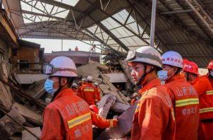 De los 28 heridos, 7 presentan heridas graves, aunque sus vidas no corren peligro, aseguró la fuente. Los otros 21 son heridos leves. FOTO/EFE