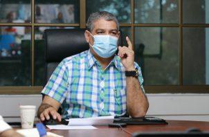 Luis Franciso Sucre, ministro de Salud.