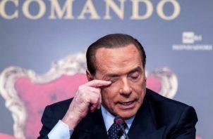 """Vista de """"Villa San Martino"""", residencia de Silvio Berlusconi en Arcore, noreste de Milán, Italia, donde cumple con el aislamiento social. Foto: EFE."""