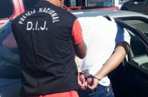 Un sargento de la Policía Nacional fue detenido. Foto: Mayra Madrid.