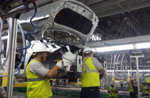 Pese al avance mensual positivo, la producción de vehículos en el país sigue muy por debajo de los niveles registrados en agosto de 2019. EFE