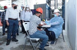 Ministra Zapata señaló que diariamente se han reactivado 350 contratos. Víctor Arosemena