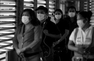 La tarea principal es la concienciación y organización de la población. Foto: EFE.