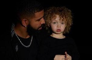 Drake y su hijo. Internet