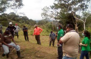 Según funcionarios de MiAmbiente, parte del terreno había sido quemado. Fotos: Eric A. Monenegro.