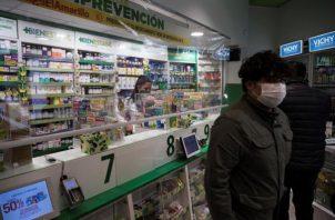 Actualmente, Chile es parte de los ensayos clínicos fase 3 de la vacuna contra el coronavirus que está desarrollando la empresa farmacéutica china Sinovac, que está trabajando en conjunto con la Universidad Católica del país. FOTO/EFE