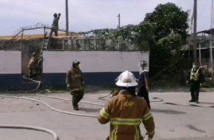 El incendio ocurrió en el área del depósito de la estación policial.