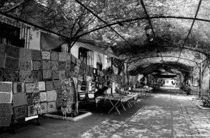 Existen cinco tiendas y un mercado artesanal, situados en puntos estratégicos del país, que permanecen cerrados temporalmente por la cuarentena impuesta por la pandemia de la COVID-19. Foto Cortesía.