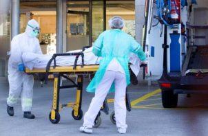 Un número indeterminado de enfermos fallece de manera súbita en diversos lugares.