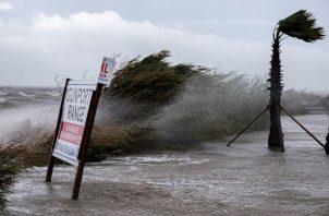 El NHC ha emitido una advertencia por marejada ciclónica que abarca desde la desembocadura del Mississippi hasta el noroeste de Florida.