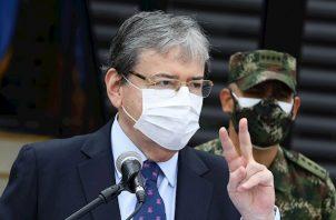 """En esa misma dirección estuvo Gustavo Petro, fundador del movimiento Colombia Humana, quien dijo que """"en un país decente el ministro de Defensa (...) debía haber renunciado"""" tras incidentes como los de la semana pasada."""