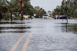 El 95 % de los hogares y negocios del condado Escambia, al que pertenece Pensacola, están sin electricidad por culpa de Sally y hay carreteras cortadas.
