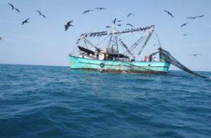 En la reunión con autoridades de Arap participaron participaron más de 30 capitanes de barcos.