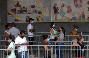 Los casos activos de coronavirus en Panamá suman 23.164. Foto EFE
