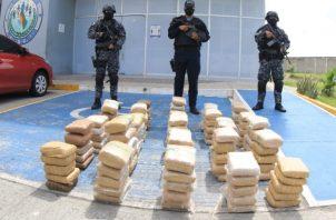 Decomiso de armas y drogas en 14 allanamientos realizados por la Policía Nacional. Foto Cortesía