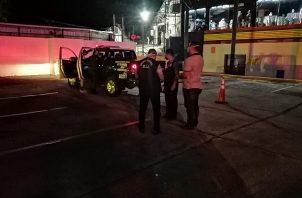 """Las autoridades mantienen retenido al hermano del occiso, identificado como Lester Eduardo Esquivel, alias """"Piña""""."""