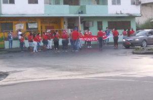 Mujeres de las bases del PRD exigen puestos de trabajo para quienes caminaron durante la campaña.
