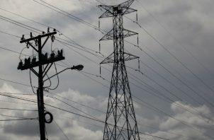 La Dirección Nacional de Electricidad, Agua Potable y Alcantarillado Sanitario realizó trabajos de inspección en las redes de distribución.