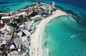 Miguel Torruco dijo que es urgente rescatar el turismo interno. EFE