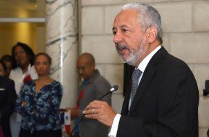 Administrador del Canal de Panamá, Ricaurte Vásquez, acudió a la Comisión de Presupuesto de la Asamblea Nacional.