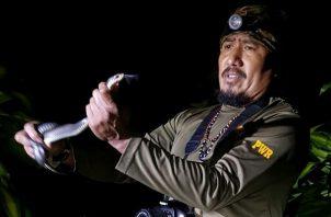 Mario Urriola es un rescatista de serpientes.