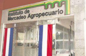 El titular del IMA destacó que la entidad está encaminada en apoyar al sector agropecuario a comercializar su producción, lo que también favorece la seguridad alimentaria y el impulso económico del país.