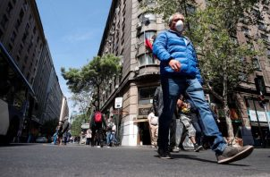 El PIB chileno se contrajo en el segundo trimestre un 14.1%. EFE