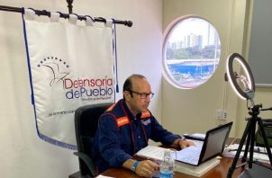 La reunión estuvo dirigida por el defensor del Pueblo, Eduardo Leblanc.