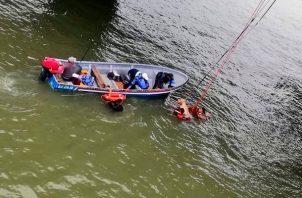 Rescate en el tramo marino de la Cinta Costera 3. Foto: Bomberos Panamá