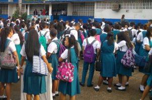 En el documento elaborado por Copeme, también se detalla que Panamá presenta una tendencia de abandono escolar en modalidad presencial en todas las trayectorias escolares.