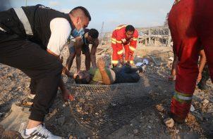 """Fuentes de la Cruz Roja libanesa informaron que encontraron dos cadáveres y """"varios heridos"""" después de realizar una búsqueda en la zona afectada."""
