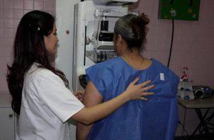 Exámenes de mamografía en centros médicos públicos. Foto CSS