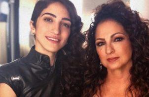 Emily Estefan y su mamá, Gloria Stefan. Foto: Instagram