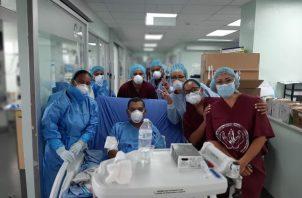 El profesor Rojas ingreso al Complejo Hospitalario Dr. Arnulfo Arias Madrid el pasado tres de marzo de 2020.