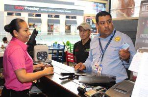 Muchos extranjeros han regresado a su país por la falta de empleos en Panamá debido a la crisis provocada por la pandemia.