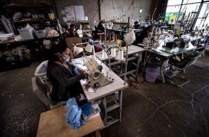 Este organismo presentó este miércoles un informe que explica que la caída en la producción textil y en el empleo ha provocado en este sector una crisis más pronunciada que la de 2008-09 en la región de Asia-Pacífico, de donde provienen el 60 por cien de las exportaciones mundiales.