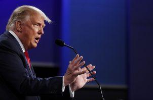 """""""Creo que tengo grandes relaciones con todo el mundo, soy la persona menos racista de esta sala"""", aseguró el presidente Donald Trump. Foto: EFE"""