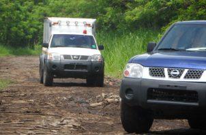 Funcionarios de la personería de San Lorenzo realizaron la diligencia de levantamiento del cadáver. Foto: José Vásquez.