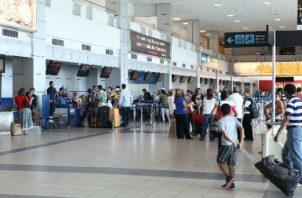 Según las estimaciones, saldrán por la terminal aérea 15,784 viajeros.