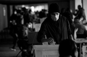 El 80% de la población chilena votó por el cambio de la Carta Magna, el pasado 25 de octubre. Foto: EFE.
