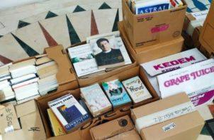 Entregaron más de 400 libros. Cortesía