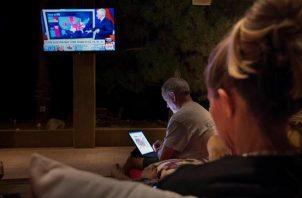 En las últimas horas, Joe Biden ya había acortado distancias con Donald Trump, quien llegó a tener 750,000 votos de margen durante la noche electoral. Foto: EFE