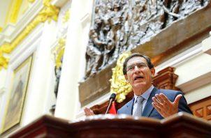 Ante el pleno del Parlamento, Vizcarra aclaró que, de momento, solo ha sido citado por la Fiscalía en una etapa preliminar de la investigación por presuntos pagos irregulares en la licitación de dos obras públicas.