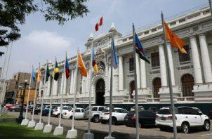 Sede del Congreso peruano en el centro de Lima (Perú), donde ha sido juramentado Flores-Aráoz. Foto: EFE