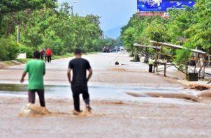 Honduras y Nicaragua acaban de sufrir el devastador impacto de Eta, un ciclón que llegó a ser huracán mayor y se encuentra ahora sobre el Atlántico convertido en un sistema post-tropical. Foto: EFE