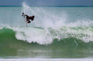 Los surfistas nacionales buscan su mejor ritmo de competencia. Foto:Cortesía