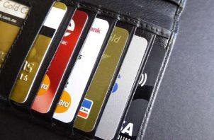 Tenga claro su presupuesto mensual, es uno de los consejos para quienes tengan tarjetas de crédito y débito. Foto: Ilustrativa / Pixabay
