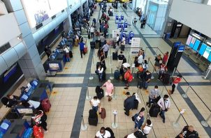 La reapertura de vuelos comerciales en el Aeropuerto Internacional de Tocumen se realiza bajo estrictos protocolos de bioseguridad.